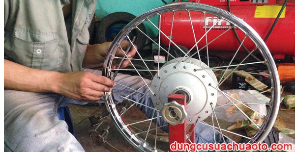 Cách cân vành xe máy