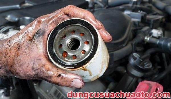 Lọc dầu ô tô